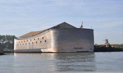 Zdjecie HOLANDIA / Zuid Holland / Dordrecht / Cos dla poszukiwaczy zaginionej arki :)