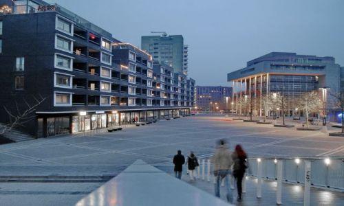 HOLANDIA / Limburg / Maastricht / Mglisty wieczór w Maastricht