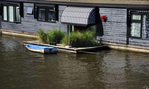 HOLANDIA / - / Amsterdam / Dom na wodzie ...