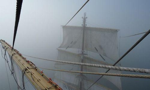 HOLANDIA / Morze Północne / Morze Północne/ Dar Młodzieży / Wśród holenderskich mgieł