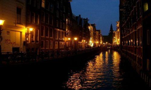 Zdjecie HOLANDIA / - / Amsterdam / Miasto nocą Kon