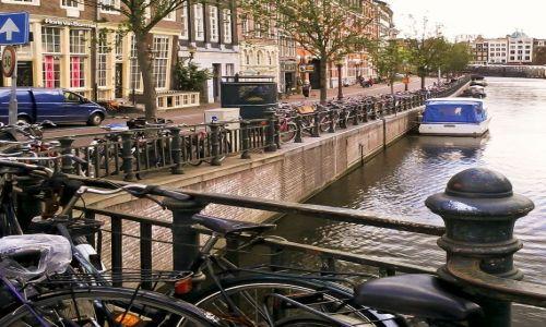 Zdjecie HOLANDIA / - / Amsterdam / Hmm... gdzie to ja zostawiłam rower? :)