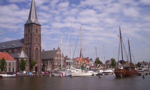 Zdjecie HOLANDIA / Fryzja / Harlingen / kosciół w Harlingen