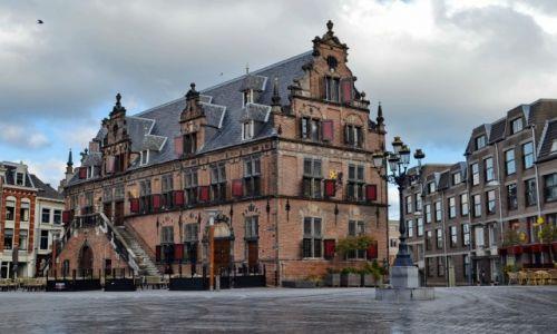 Zdjęcie HOLANDIA / Geldria / Nijmegen / Waag w Nijmegen