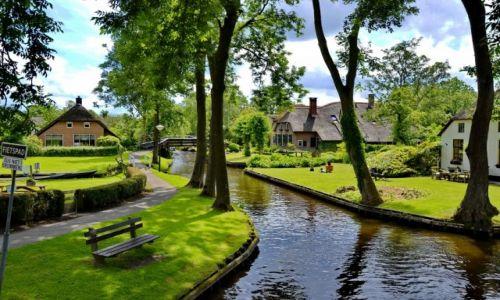 HOLANDIA / Overijssel / Giethoorn / Zielona wioska