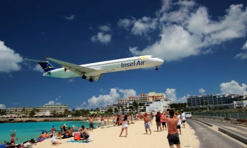 Zdjęcie HOLANDIA / - / Sint Maarten / plaza Maho / port lotniczy Princess Juliana / Ladowanie