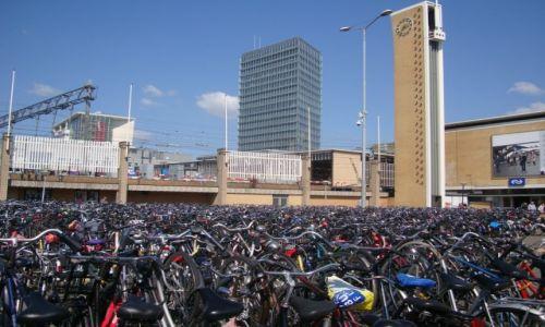Zdjęcie HOLANDIA / Brabancja Północna / Eindhoven / Gdzie jest mój rower?