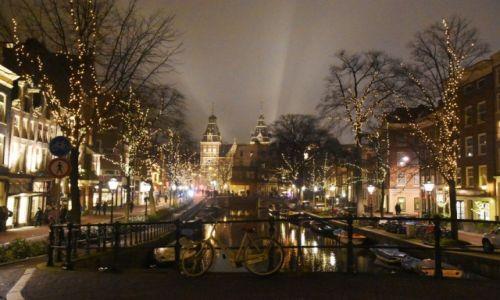 HOLANDIA / Amsterdam / centrum / Widok na Rijksmuseum
