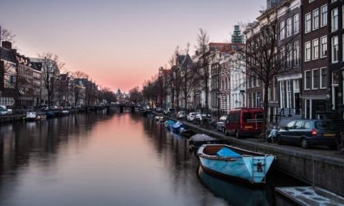 HOLANDIA / Holandia północna / Amsterdam / Prosta rzecz a cieszy.