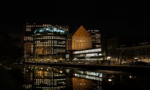 HOLANDIA / Haga (Den Haag) / Centrum Hagi / Haga nocą