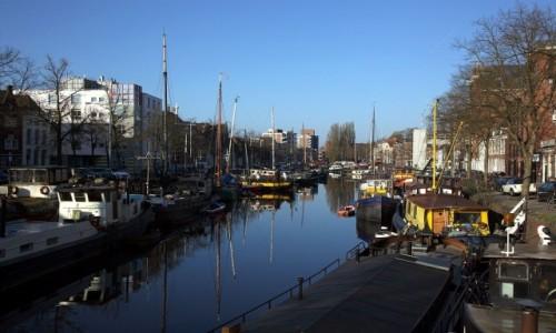 Zdjęcie HOLANDIA / Groningen / Wzdłuż kanałów / O poranku