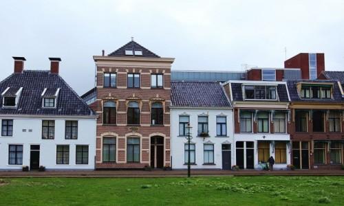 Zdjęcie HOLANDIA / Groningen / Kościół św. Marcina / Kamieniczki