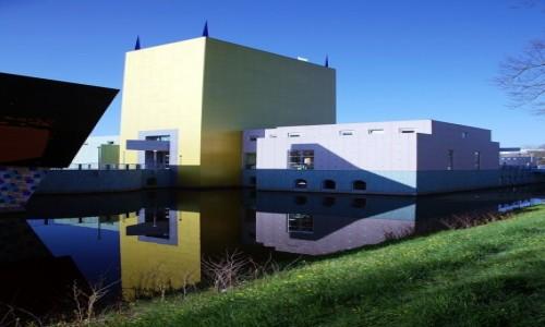 Zdjęcie HOLANDIA / Groningen / Muzeum miejskie / Wieża Mendiniego