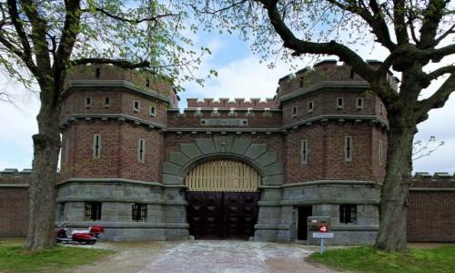 Zdjecie HOLANDIA / Groningen / Więzienie / Brama