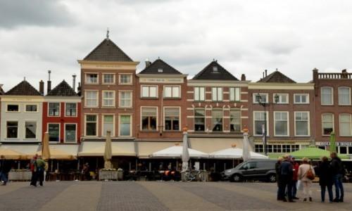 Zdjęcie HOLANDIA / zachód / Delft / Kamieniczki w Rynku Delft
