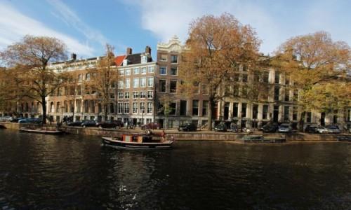 Zdjęcie HOLANDIA / Amsterdam / Amstel / Nad kanałem