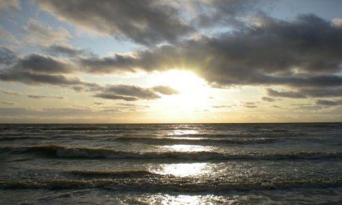 Zdjecie HOLANDIA / - / Noordwijk / Zachód słońca-morze północne