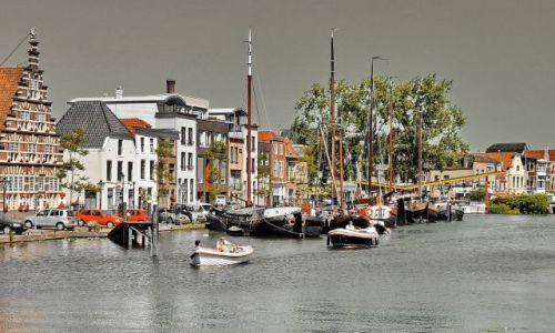 Zdjecie HOLANDIA / Zuid Holland / Leiden / Mieszkania na wodzie