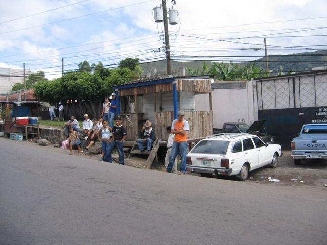 Zdjęcia: Tegucigalpa, Ameryka, Tegucigalpa - BusStop, HONDURAS