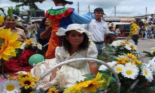 Zdjęcie HONDURAS / Interior / Interior / Świętowanie na ulicach