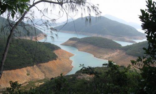 Zdjecie HONG KONG / Sai Kung / High Island Reservoir / W parku w Hong