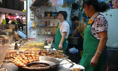 Zdjęcie HONG KONG / Mongkok / ulica / dziewczyny nocą 2
