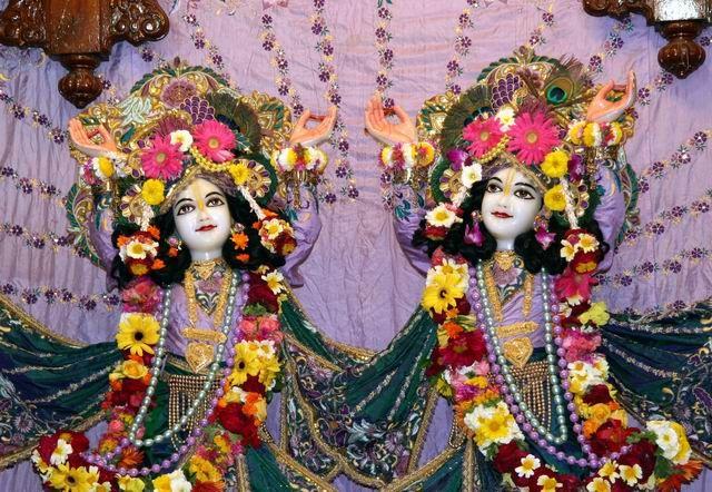 Zdjęcia: Świątynia Krishny, Krishna z bratem, INDIE