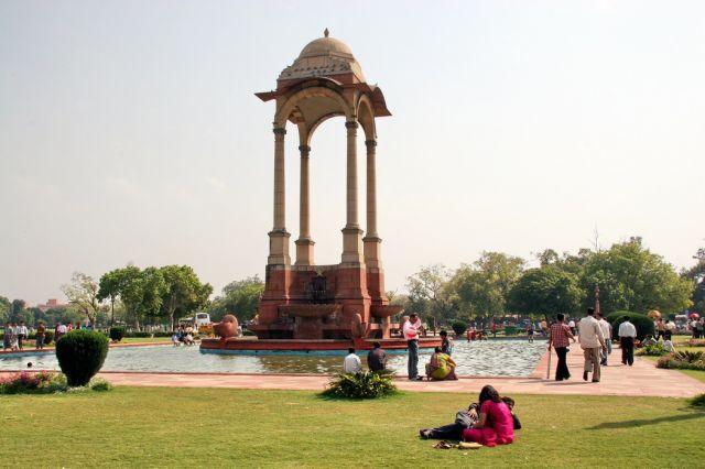 Zdjęcia: Delhi - skwer przed bramą Indii, To trzeba zobaczyć ..., INDIE