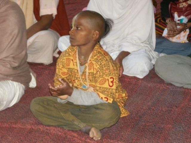Zdjęcia: Mathura, Młody wyznawca Kriszny, INDIE