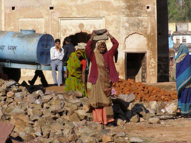 Zdjęcia: Indie, Praca na budowie, INDIE