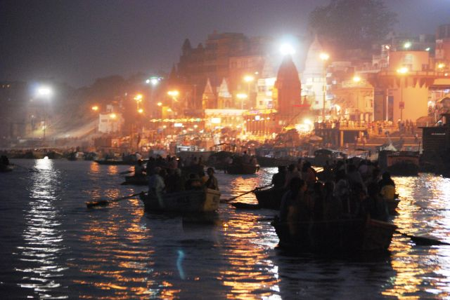 Zdjęcia: Varanasi, Varanasi, Widziane z Gangesu, INDIE