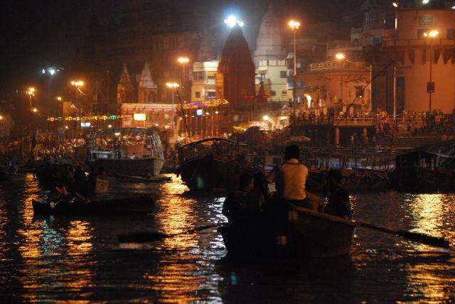 Zdjęcia: Varanasi, Varanasi, Wieczór nad Gangesem, INDIE