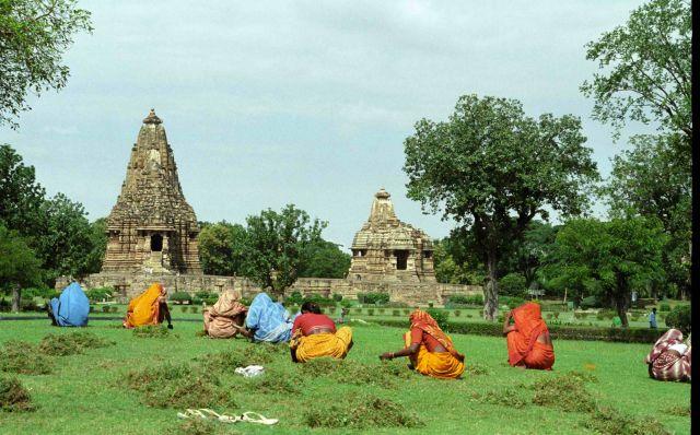 Zdjęcia: Khajuraho, Kosiareczki w Khajuraho, INDIE