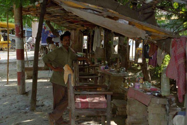 Zdjęcia: Sarnath, Fryzjer - wersja basic, INDIE