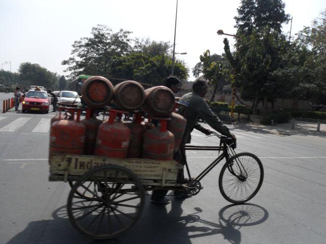 Zdjęcia: Delhi, Delhi, Przerobiony na gaz?, INDIE