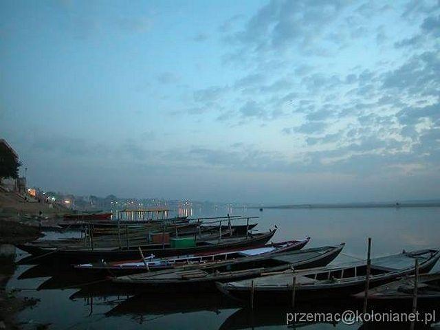 Zdj�cia: Varanasi, Widok na Ganges o poranku, INDIE