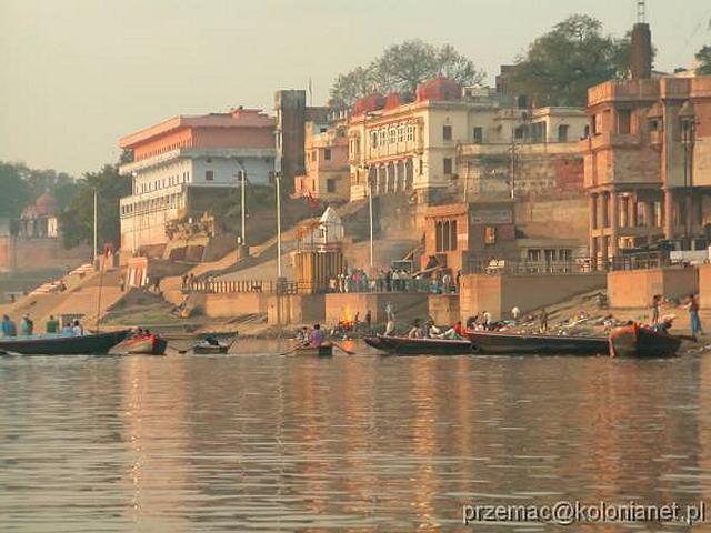 Zdjęcia: Varanasi, Kremacja zwłok na brzegu Gangesu, INDIE