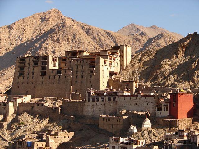 Zdj�cia: Leh, Ladakh, pa�ac w Leh , INDIE
