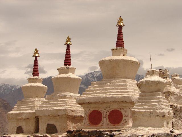 Zdjęcia: Dolina Nubra  klasztor w Diskit, Ladakh, gompy w  dolinie Nubry, INDIE