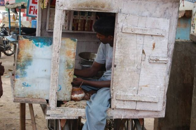 Zdj�cia: Agra, Kolory Indii - uliczna garkuchnia, INDIE
