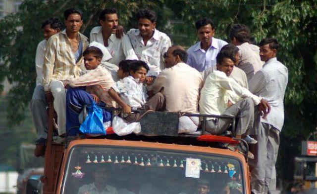 Zdjęcia: Agra, Kolory Indii - droga do pracy, INDIE