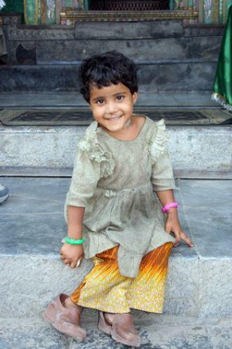 Zdjęcia: Jajpur, Dziewczynka w bucikach, INDIE