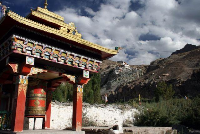 Zdjęcia: Dolina Nubry, Himalaje, Modlitewny dzwon i klasztor, INDIE