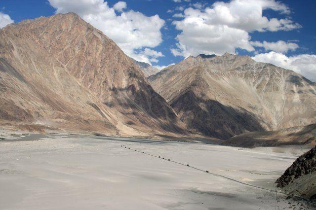 Zdjęcia: Dolina Nubry, Himalaje, Konwój, INDIE