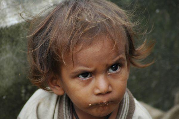 Zdjęcia: Bliżej nieokreślone - mała wioseczka, Himachal Pradesh, Mały Hindus z okolic McLeod Ganj, INDIE