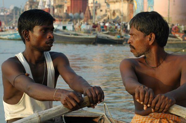 Zdjęcia: Waranasi (Benares), Uttar Pradesh, Na łódce na Gangesie w Waranasi, INDIE