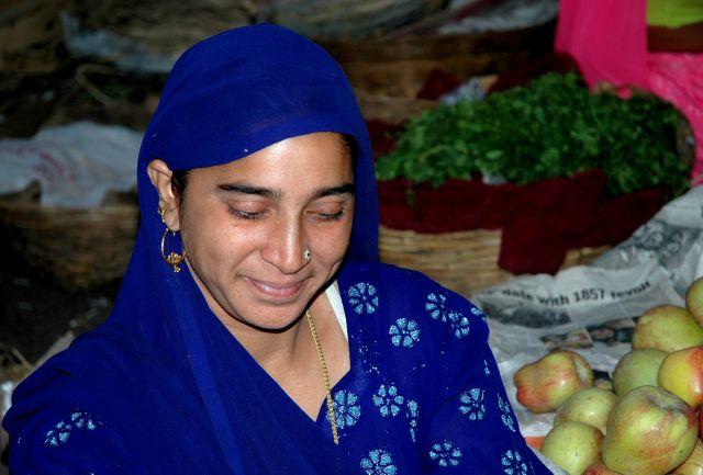 Zdjęcia: Bikaner, Rajastan, sprzedająca owoce, INDIE