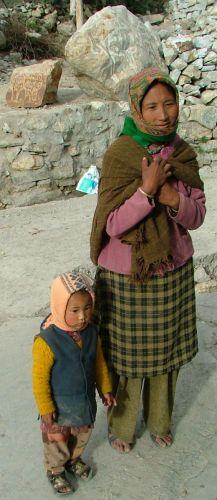 Zdjęcia: Nako, zapewne mniejsza część rodziny tybetańskiej, INDIE