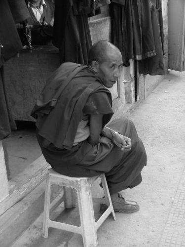 Zdjęcia: Leh, Ladakh, mnich tybetański , INDIE