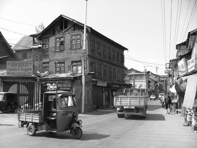 Zdjęcia: Srinagar, skrzyżowanie, INDIE